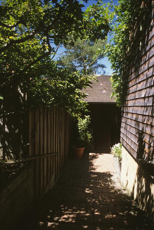 Harris, house, Entry path.jpg